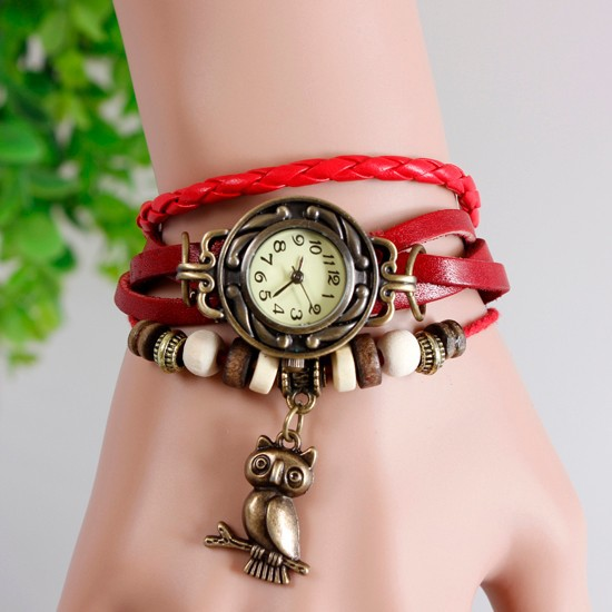 ساعت مچی قرمز